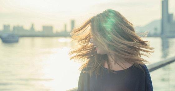 Die besten Tipps für schöne Haare trotz empfindlicher Kopfhaut