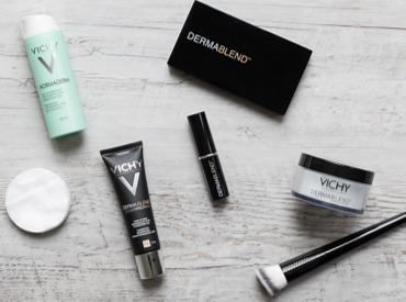 Von Tee bis Make-up: Tipps und Tricks gegen unreine Haut während der Periode