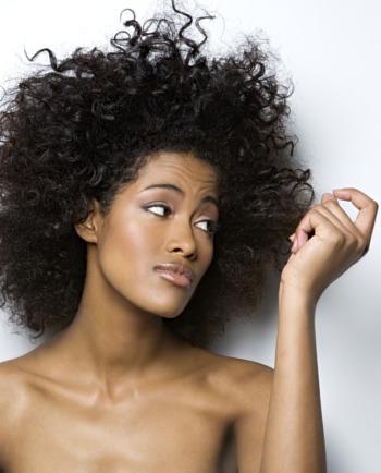 Spliss Adé: Pflegetipps für strapaziertes Haar