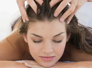 Tipps gegen trockene Kopfhaut