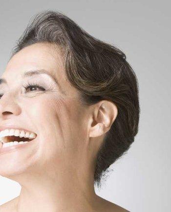 Maßnahmen bei Gesichtshärchen in den Wechseljahren