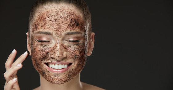 Poren verkleinern: Die besten Tipps gegen grosse Poren
