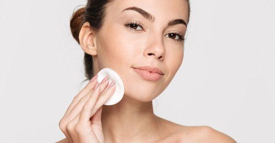 Richtig abschminken – Tipps für einen gesund aussehenden und strahlenden Teint