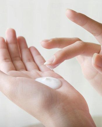 Bitte etwas zarter: Trockene Hände geschmeidig pflegen