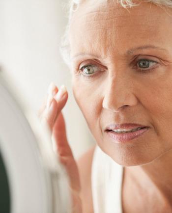 Wie sich die Haut ab 60 verändert