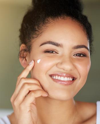 Die richtige Gesichtspflege für trockene Haut
