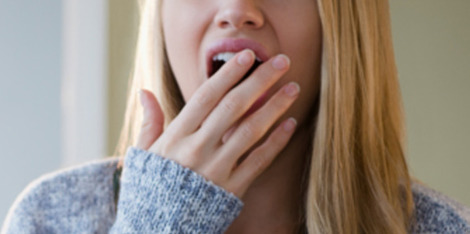 Was tun gegen Augenringe? 5 Tipps für einen ebenmäßigen Teint trotz Schlafmangel