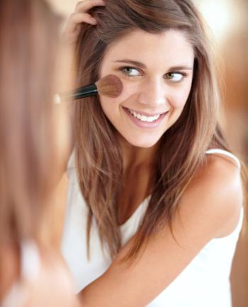 3 Möglichkeiten, Make-up aufzutragen
