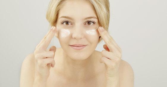 Gesichtsmassage: Wie Sie Augenringe und Co. mit Digitopunktur bekämpfen