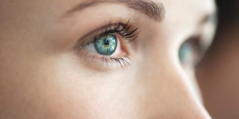 Tipps gegen müde Augen am Morgen