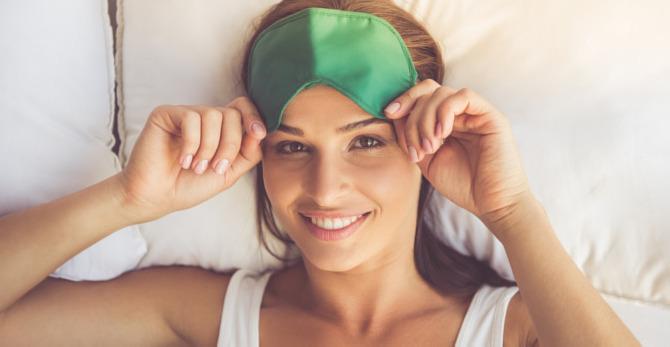 Réveil difficile : comment défroisser son visage ?