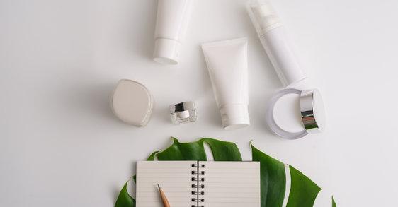 Cosmétiques : pourquoi les ingrédients naturels attirent de plus en plus les consommatrices