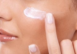 How skin cream targets collagen in an anti-aging routine