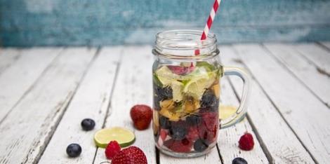 Détox water, l'eau fruitée qui vous veut du bien