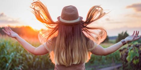 Soin des cheveux colorés : 3 gestes de pro