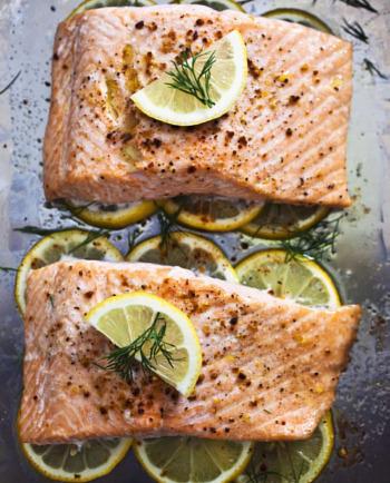 Le saumon: de « bonnes graisses » pour une peau rebondie