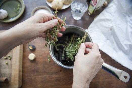Tisane au thym : le remède miracle pour mieux digérer et dégonfler