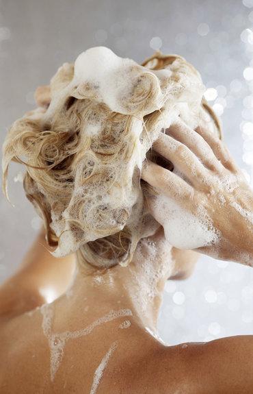 Cheveux en manque de volume: le bon shampooing