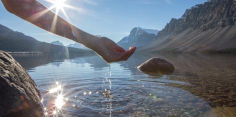 Comment intégrer 89% d'eau thermale dans un soin ?