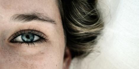 Contour des yeux : offrez-vous un regard visiblement plus jeune