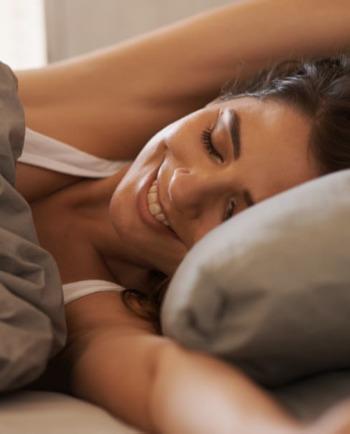 Top 10 des astuces pour se réveiller avec une belle peau
