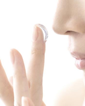 Points noirs et petits boutons sur le nez : nos solutions pour en venir à bout