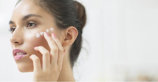 Quand commencer les soins à l'acide hyaluronique ?