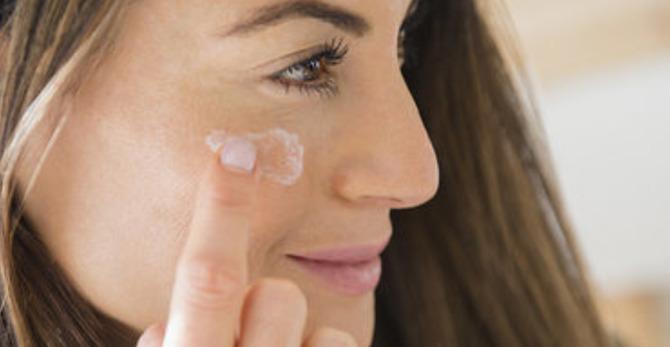 Comment choisir sa crème de jour quand on a la peau sèche  ?
