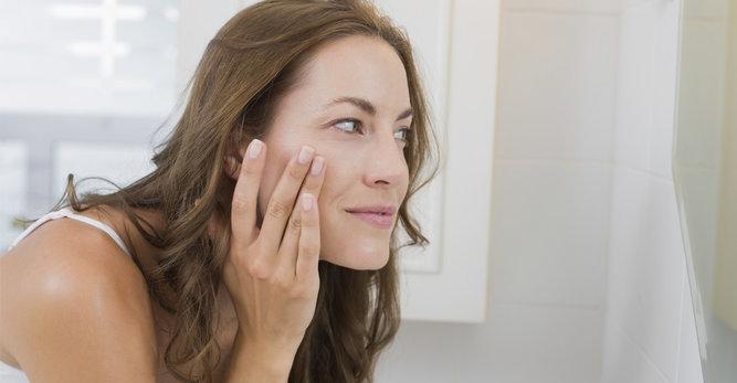 Adulte et toujours des boutons sur le visage: les solutions