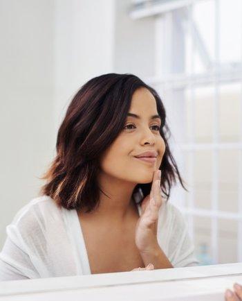 Sérum visage : à quoi sert-il vraiment ?